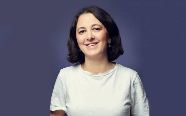 Ane Christiansen er lærebokforfatter og jobber i spansk ved Charlottenlund videregående skole i Trondheim.
